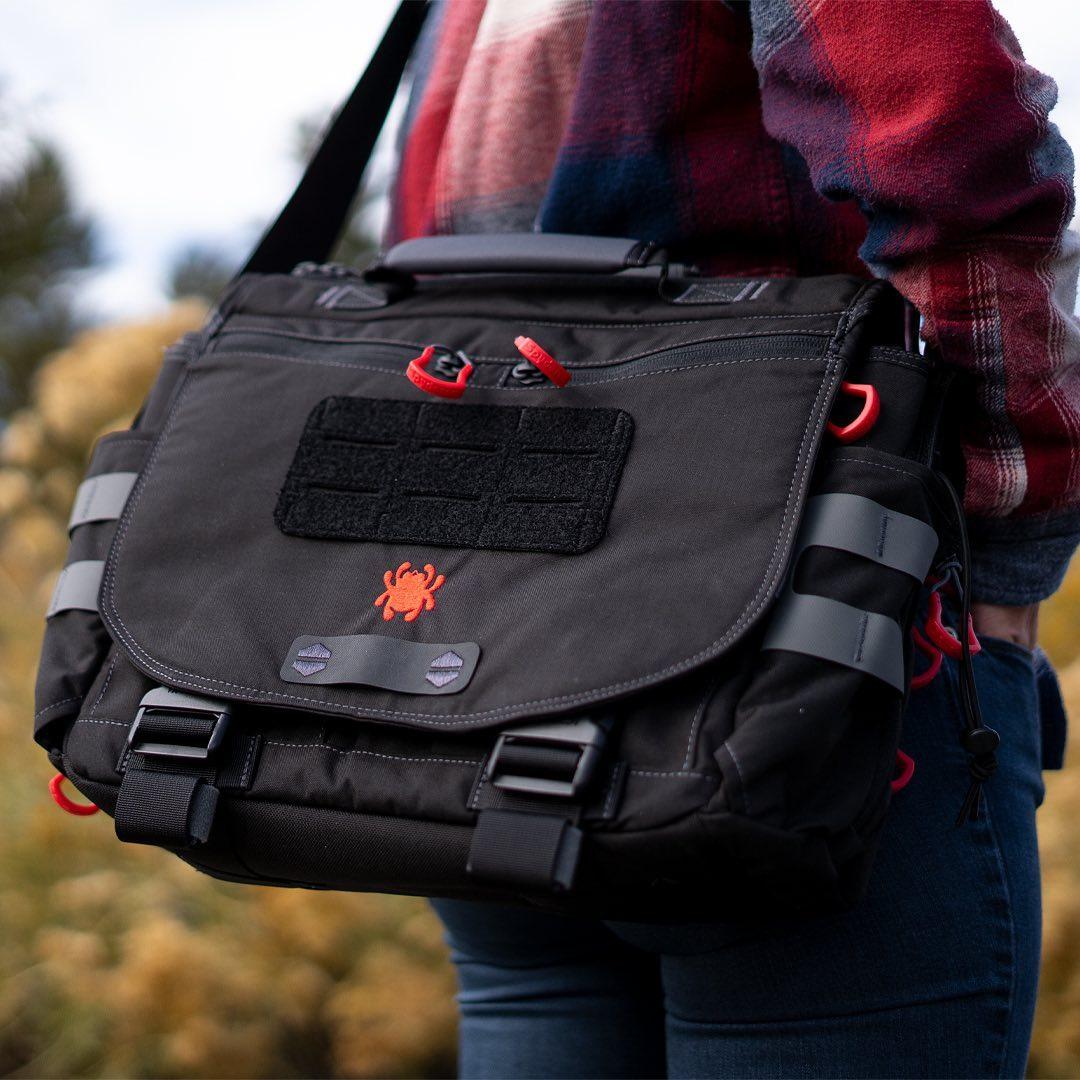 SPYDERCO X VANQUEST Envoy-13 Messenger Bag